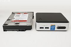 Diginnos Mini NUC-W5 HDDとのサイズ比較