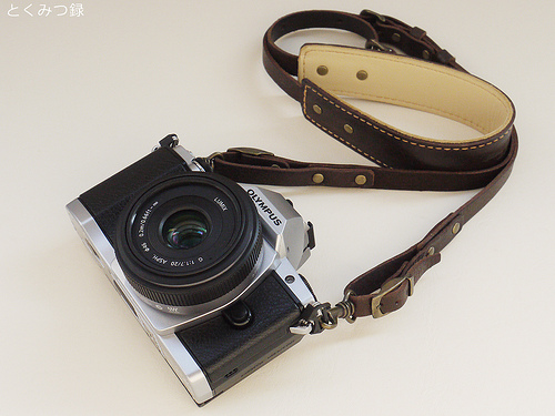 ROBERUオイルレザーカメラストラップ