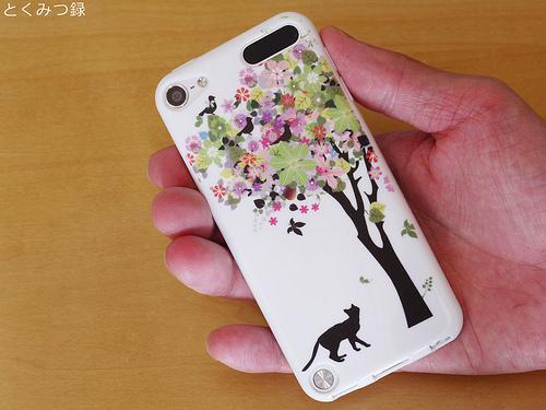 iPod touch5 対応 携帯ケース 1241 黒猫と花の木 TPU